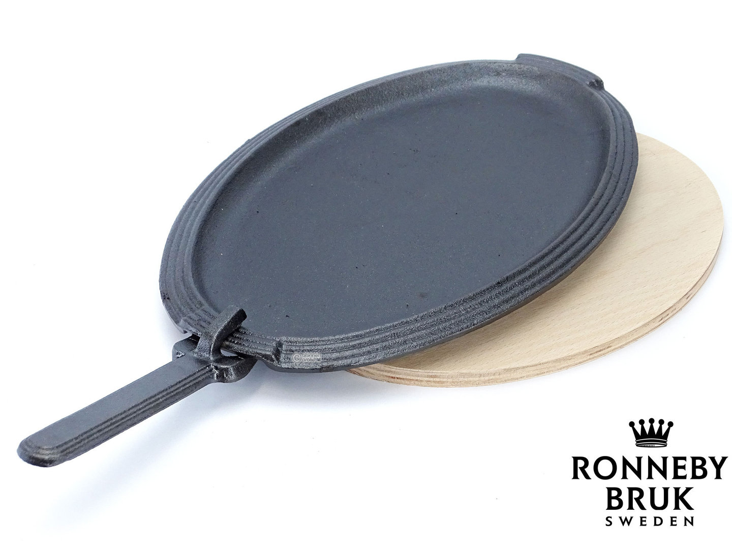 RONNEBY BRUK cast iron fajita pan RONDO oval, detachable handle, with wooden tray
